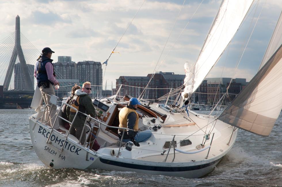 basic cruising course bareboat cruising course cruising fleet membership sailboat